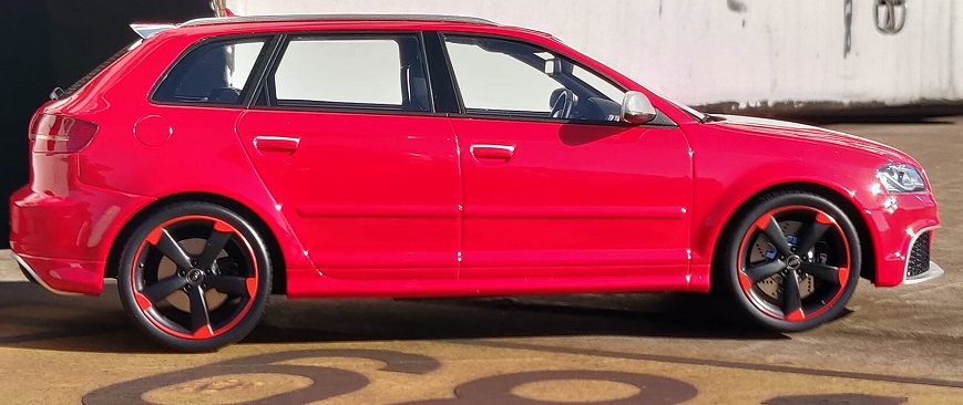 audi-rs3-rouge