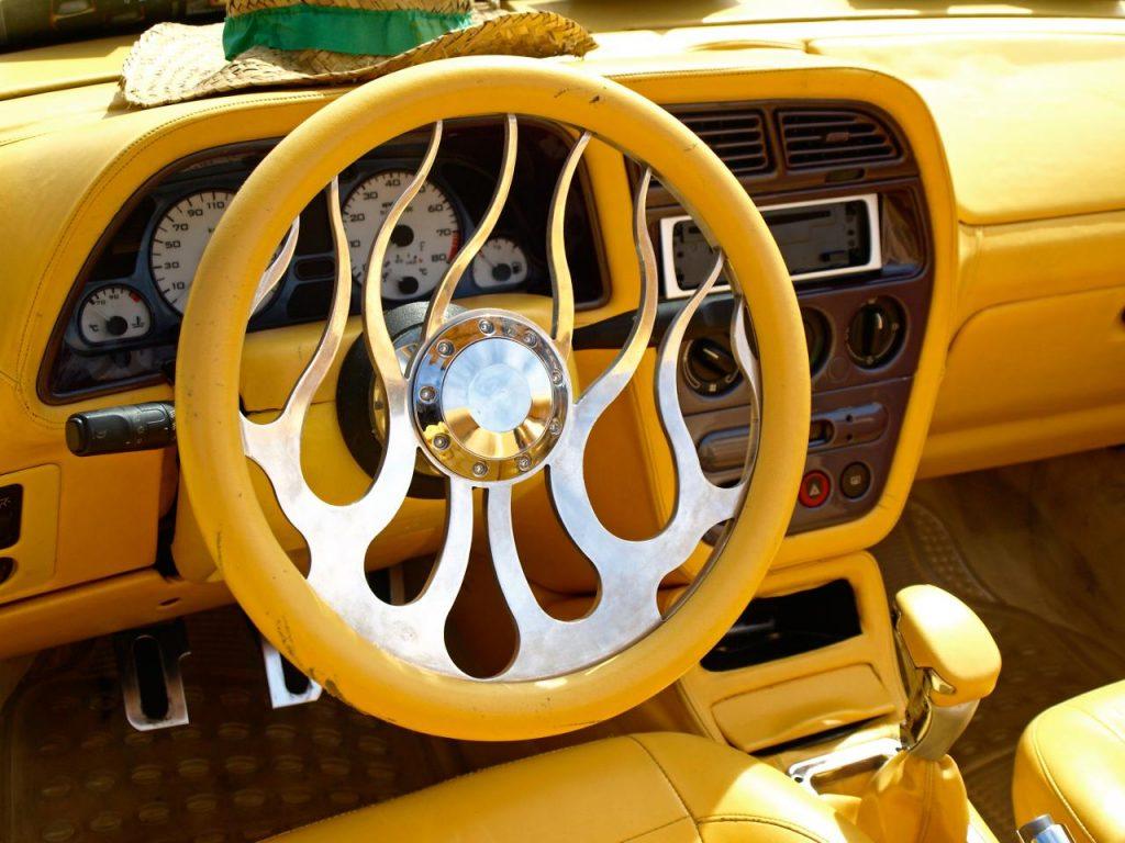 jacky-tuning-jaune